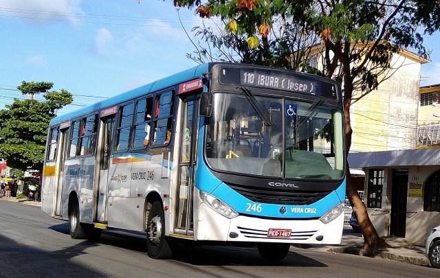 Prefeitura do Recife implanta novo trecho da faixa exclusiva para ônibus