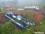 Viaçao Aguia Branca emite nota sobre acidente com ônibus na BR-116 em Muriaé