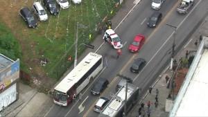 Bandido acaba baleado por PM à paisana durante assalto a ônibus na Zona Sul de São Paulo