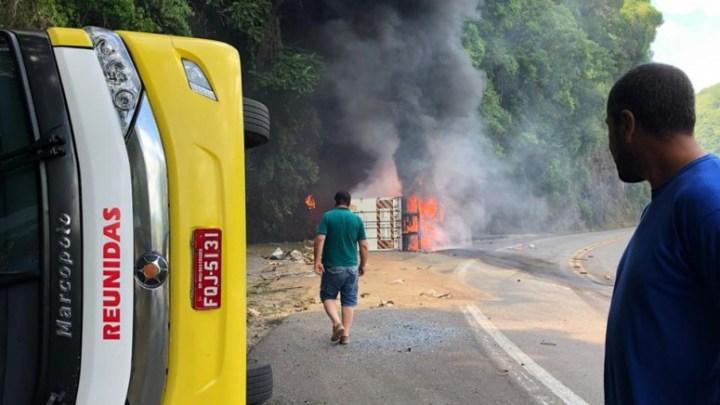 RS: Acidente entre carreta e ônibus da Reunidas Caçador deixa um morto em Vacaria