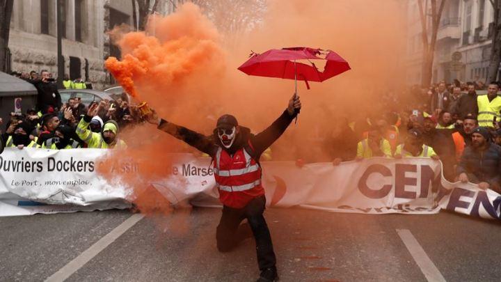 França vive dias de caos no transporte público durante Greve Geral