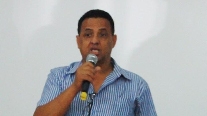 MT: Prefeito Antonio Xavier de Araújo se torna suspeito de comprar ônibus por R$ 18 mil e revender à prefeitura de Rio Branco por R$ 100 mil