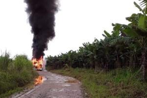 Ônibus pega fogo no litoral de São Paulo