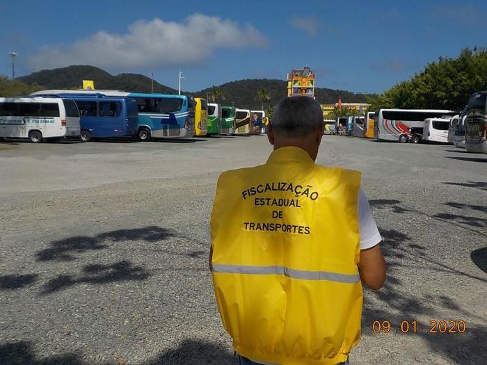 SC: Aresc realiza operação de fiscalização em vans e ônibus de turismo