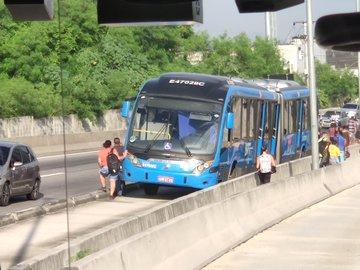 Passageiros do BRT Rio seguem relatando mais problemas nesta quarta-feira
