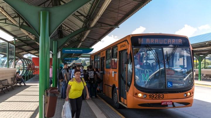 PR: Duas linhas de ônibus de Araucária têm horário ampliado