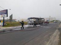 SC: Ônibus acaba incendiado em Balneário Arroio do Silva
