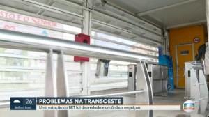 Rio: Em ato de fúria, homem quebra estação Curral Falso do BRT Rio