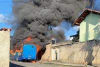 MG: Ônibus é incendiado neste sábado em Venda Nova em Belo Horizonte