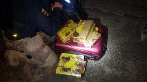 SP: PRF prende mulher por tráfico de drogas em ônibus na Régis Bittencourt