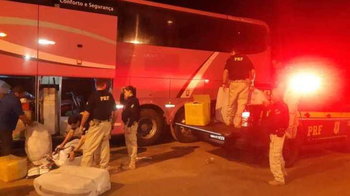 MA: PRF flagra ônibus da Trans Brasil com contrabando na BR-222