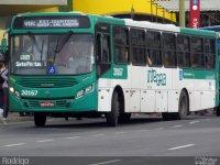 Dupla assalta ônibus na BR-324 e um bandido acaba pego e agredido por populares em Salvador