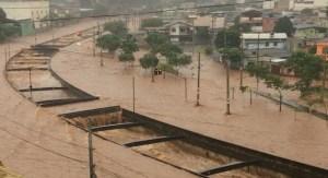 MG: Forte chuva atinge Contagem e fecha BR-381 nesta tarde de domingo, diz PRF