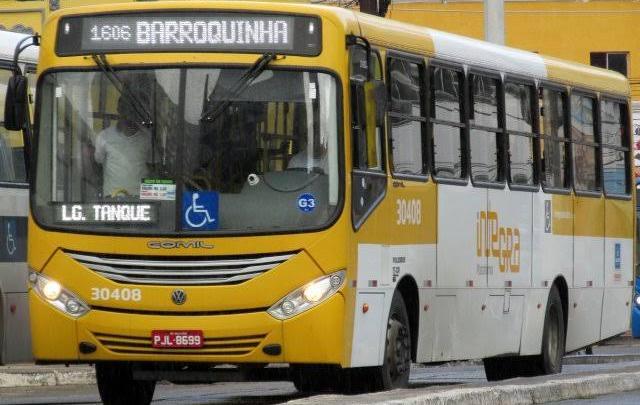 Bandidos assaltam ônibus nesta manhã de terça-feira 7 em Salvador