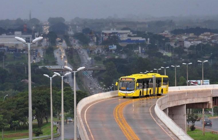 Brasília: Linhas de ônibus ganham reforço para pré-carnaval no Plano Piloto