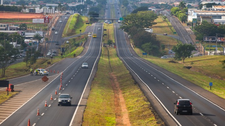 SP: Carnaval deve movimentar 2,4 milhões de veículos nas rodovias estaduais que saem da capital