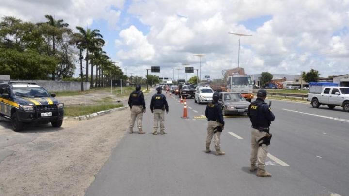 PRF PI disponibiliza policiais para reforço no policiamento no estado do Ceará
