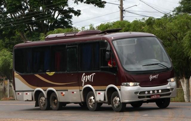 Micro-ônibus 8×2 chama atenção neste carnaval