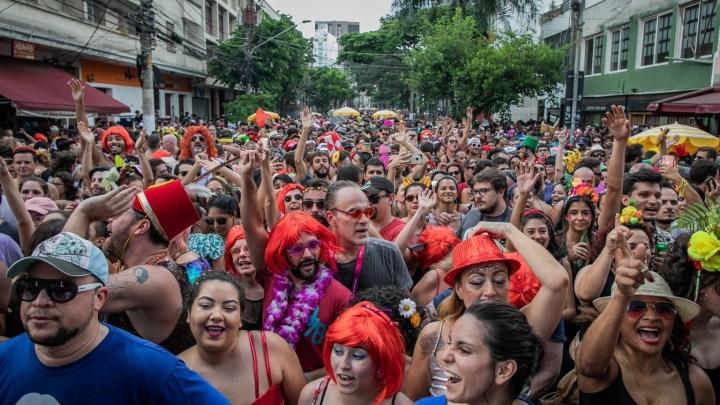 Desfile de blocos na Zona Sul de São Paulo altera itinerários de nove linhas no sábado dia 15