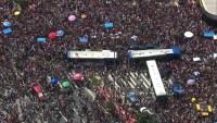 São Paulo: PM dispersa Bloco de carnaval não autorizado com bombas de gás no Largo da Batata