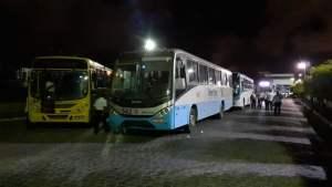 PE: Rodoviários da Expresso Vera Cruz realizam protesto em Jaboatão dos Guararapes