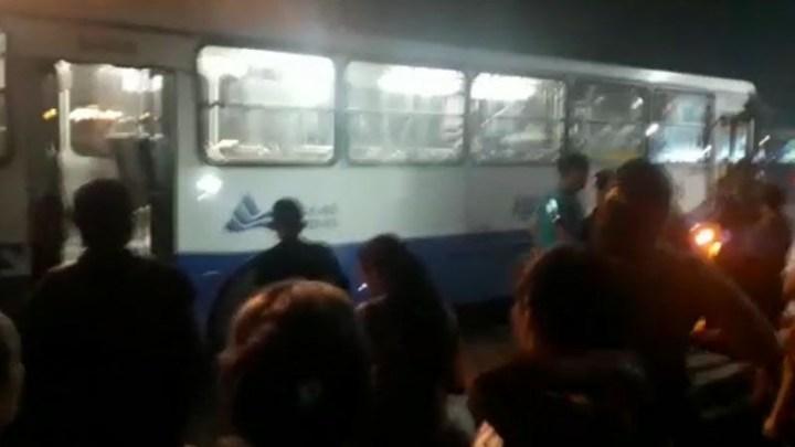 PA: Ônibus urbano quase acaba incendiado em Ananindeua nesta sexta-feira