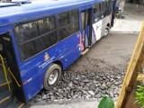 SP: Homem sequestra ônibus da EMTU e acaba alvejado em Itapecerica da Serra