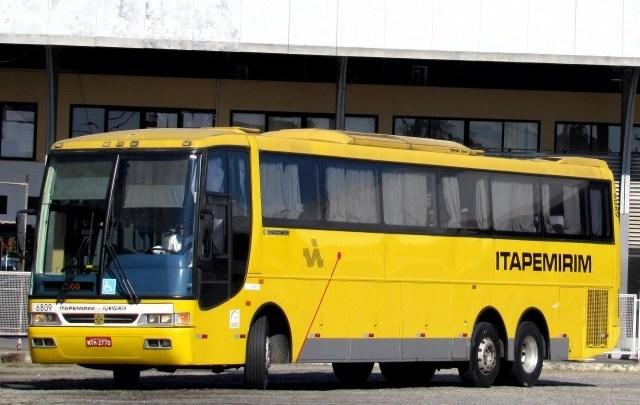 Acidente com ônibus da Viação Itapemirim deixa 2 mortos e 25 feridos na BR-101