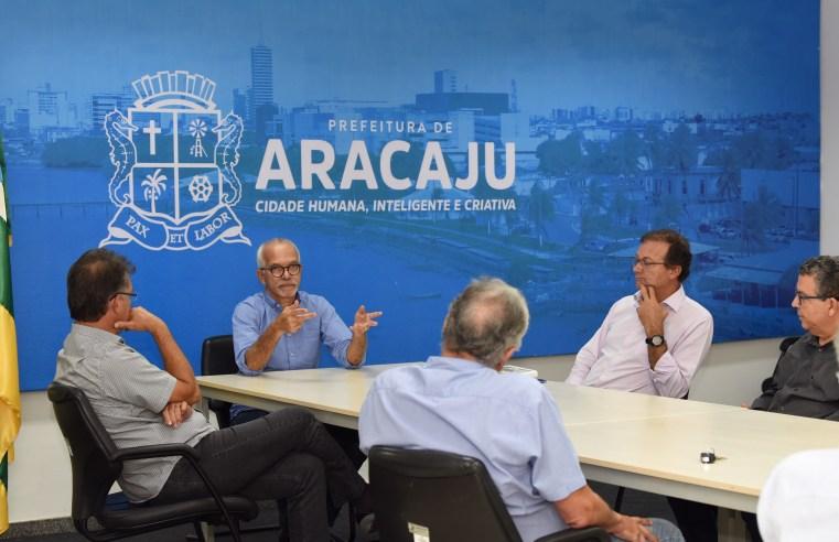 Prefeitura de Aracaju anuncia a redução da frota de ônibus e fechamento de shoppings no combate ao coronavírus