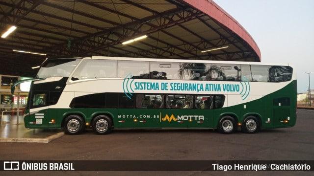 Viação Motta surge com novo ônibus DD Volvo 8×2 na Rodoviária de Londrina