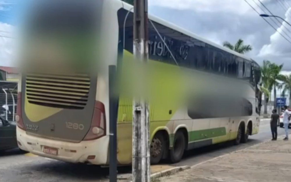 GO: Ônibus de turismo que seguia para Caldas Novas acaba barrado ao retornar do Espírito Santo
