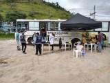 RJ: Prefeitura de Petrópolis usa ônibus para oferecer banho aos moradores em situação de rua em Itaipava
