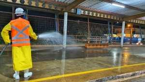 Campo Grande faz higienização de terminais de ônibus para conter o coronavírus