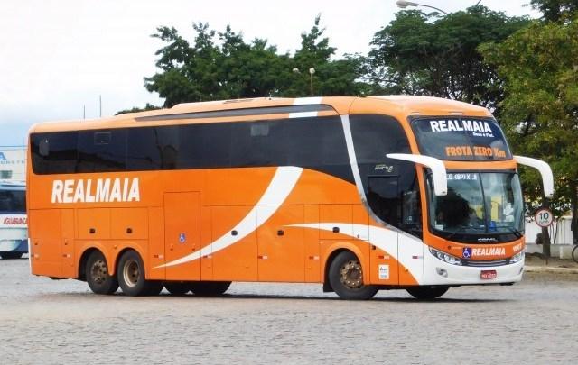 Vídeo: Ônibus da Real Maia segue desembarcando passageiros na rua no interior da Bahia