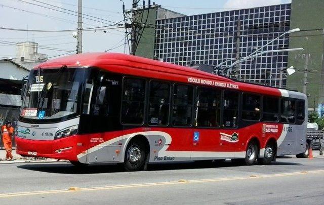 Duas linhas de trólebus irão operar com veículos a diesel no domingo em São Paulo
