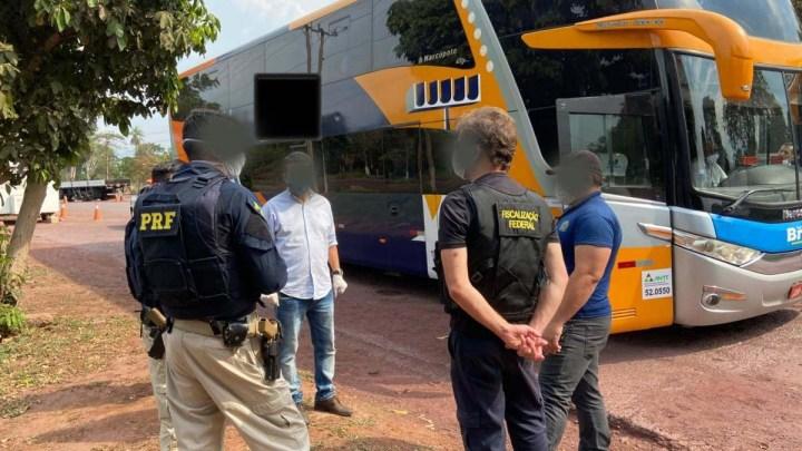 MS: Ônibus com 46 bolivianos volta para São Paulo por falta de autorização migratória dos passageiros