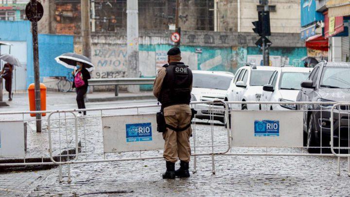 Prefeitura do Rio anuncia lockdown parcial em bairros da zona oeste. Ônibus ainda circulam