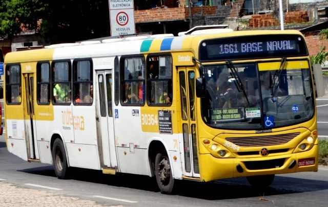 Salvador: Ônibus ganham proteções para motoristas e cobradores por conta da Covid-19