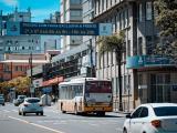 Prefeitura de Porto Alegre entrega novas faixas de ônibus
