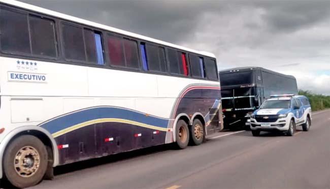 BA: Polícia Militar e Guarda Municipal de Ponto Novo apreendem ônibus e van nesta terça-feira