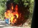 RJ: Ônibus da Viação Rio Doce pega fogo na BR-040 em Petrópolis
