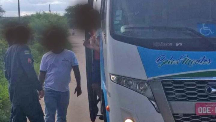 Micro-ônibus que saiu de São Paulo é impedido de entrar em Sergipe