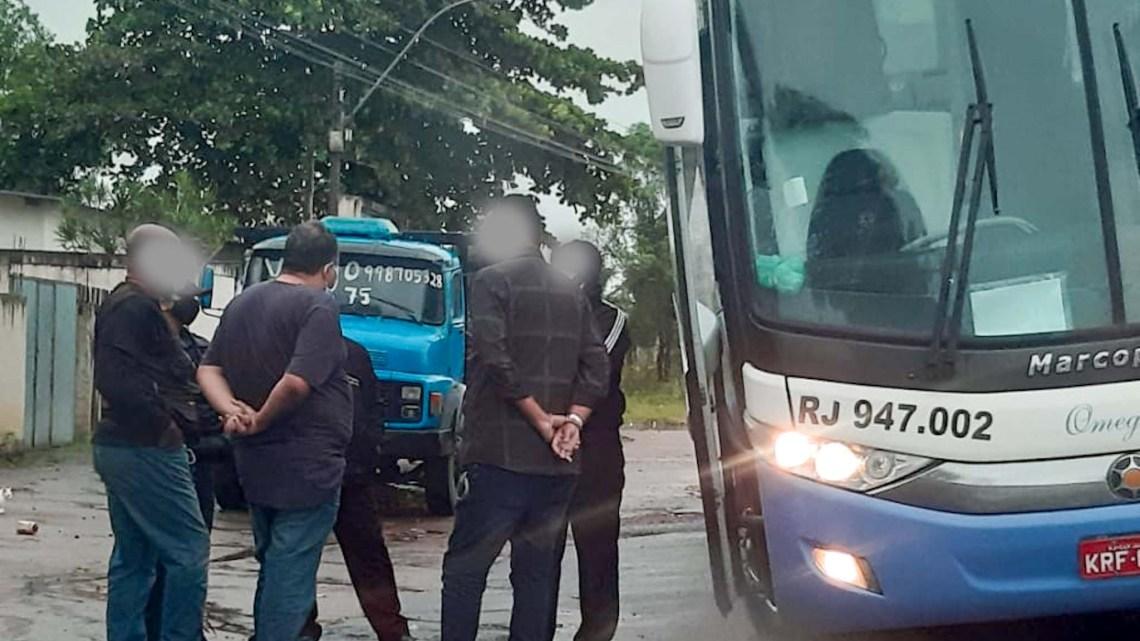RJ: Barreira Sanitária impede a entrada de dois ônibus na BR-356 com 90 pessoas vindas de Minas