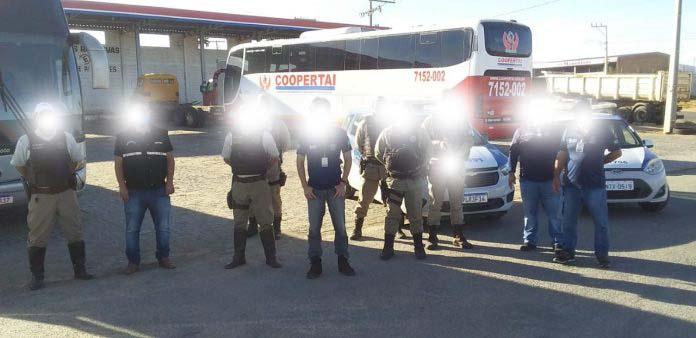 BA: Fiscalização da ANTT apreende quatro ônibus clandestinos em Guanambi