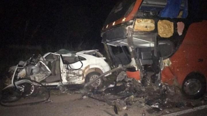 MA: Acidente entre carro e ônibus deixa um morto na BR-316