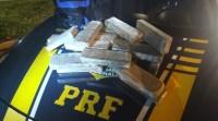 Vídeo: PRF prende passageiro de ônibus por tráfico de drogas na via Dutra no interior de São Paulo