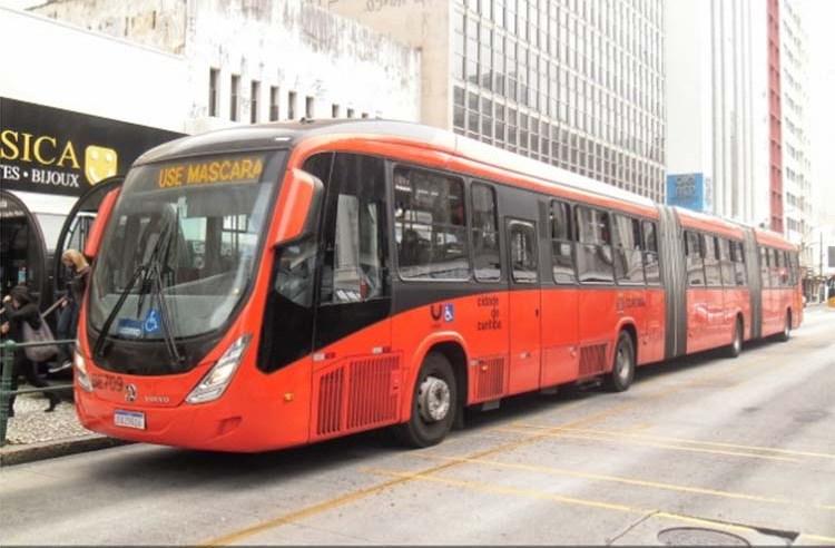 Curitiba: Profissionais de hospitais terão prioridade no embarque