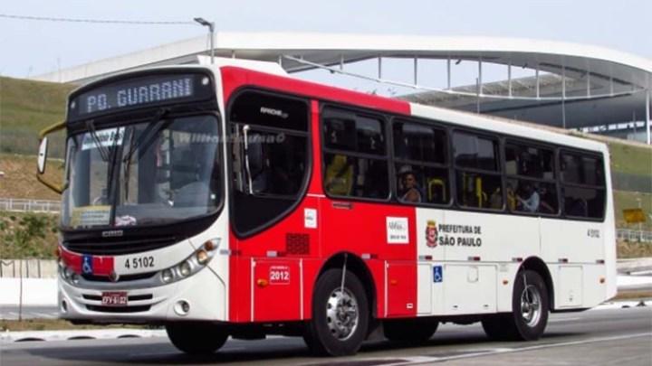 Prefeitura de São Paulo revoga a indicação para que ônibus transportasse apenas passageiros sentados