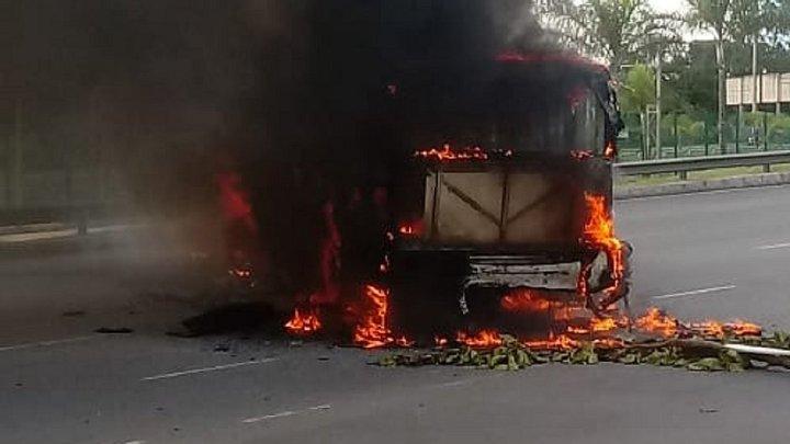 Salvador: Ônibus é incendiado durante protesto nesta quarta-feira