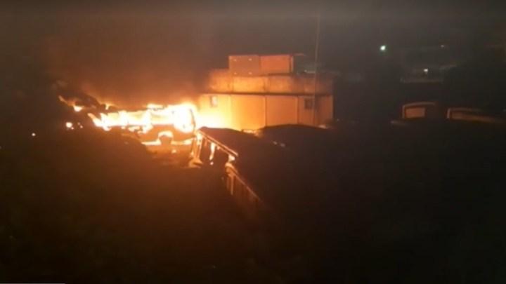 Rio: Incêndio em garagem de ônibus, destrói 19 coletivos na Zona Oeste